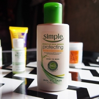 Simple - Protecting Light Moisturizer SPF 15
